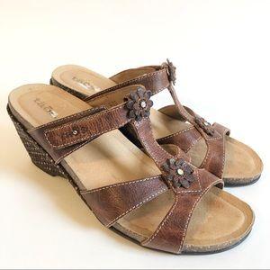 Taos brown TENDER wedge sandal/ 9